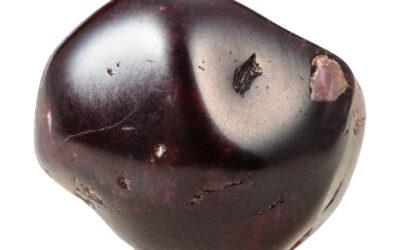 Almandyn – czerwień namiętności
